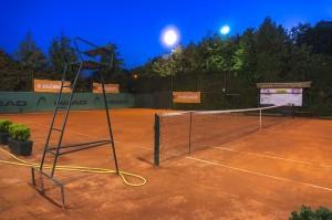 Travnjak tenis teren2 noc